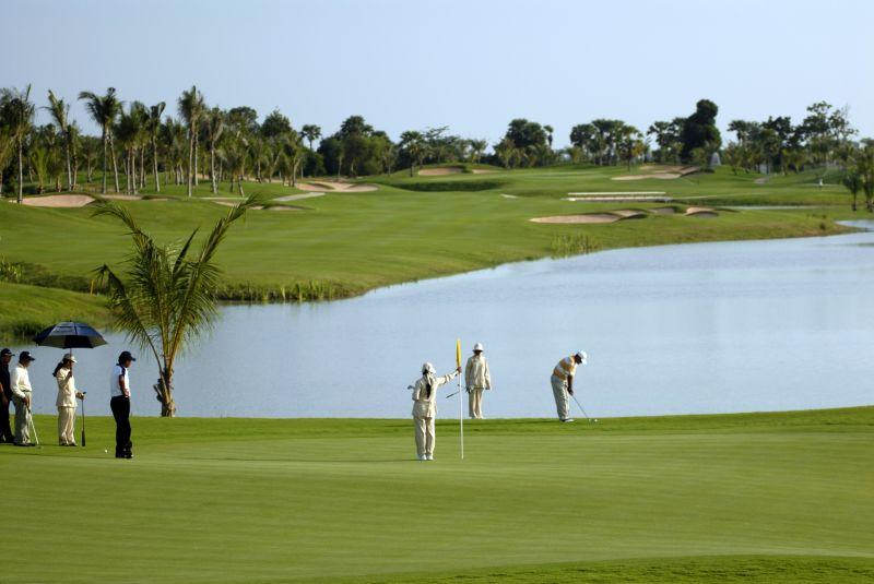 Cambodia-Golf-01